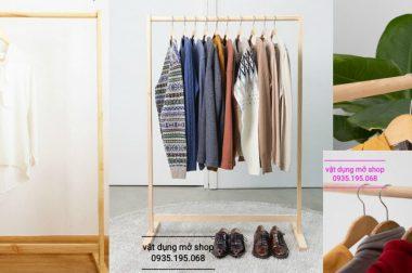 Kệ treo quần áo bằng gỗ – Sào đơn gỗ cho shop